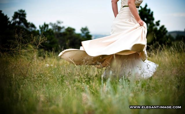 Mountain Meadow Bride Boulder CO Green Wedding Lionscrest