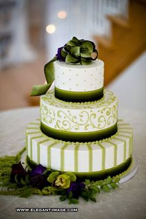 Green Wedding Cake Photo